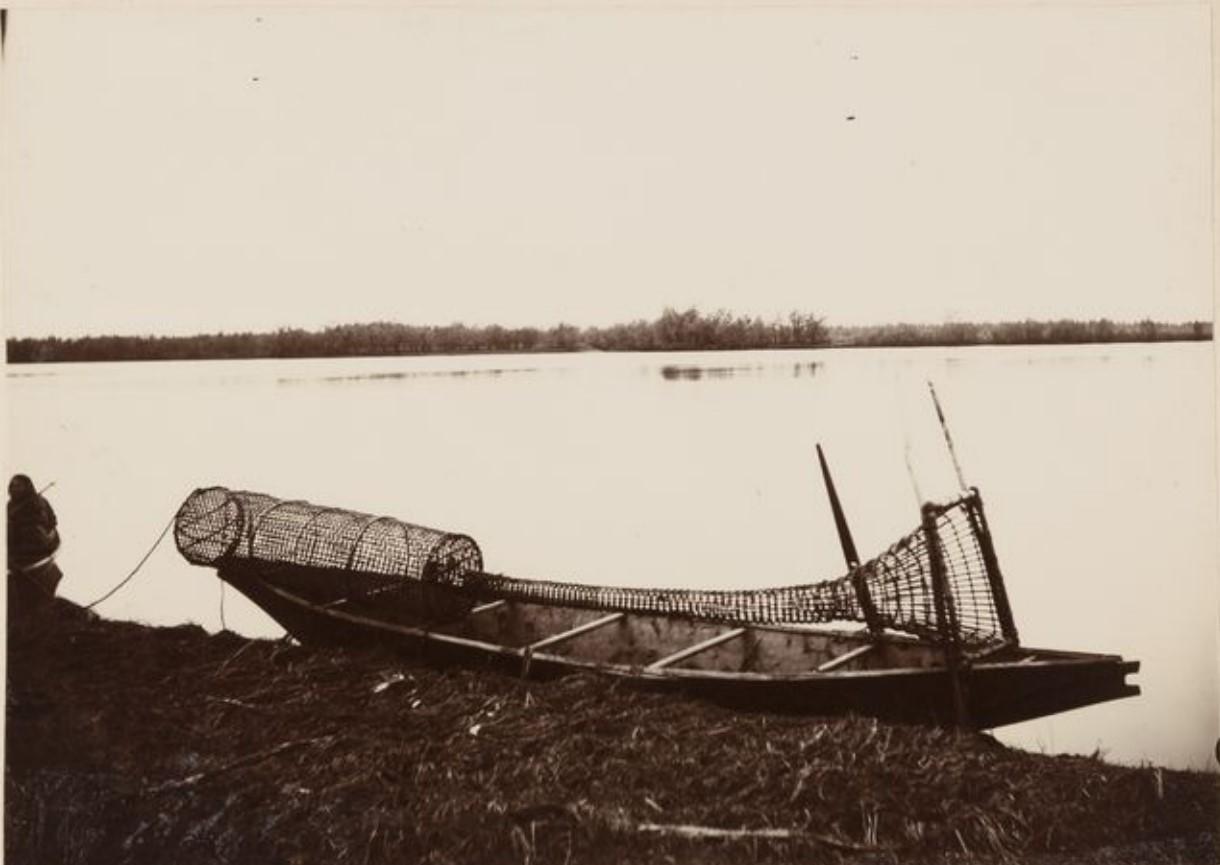Рыбацкая лодка на Оби