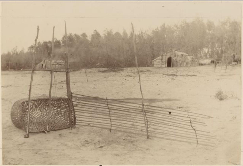 Рыбацкое снаряжение на реке Вах