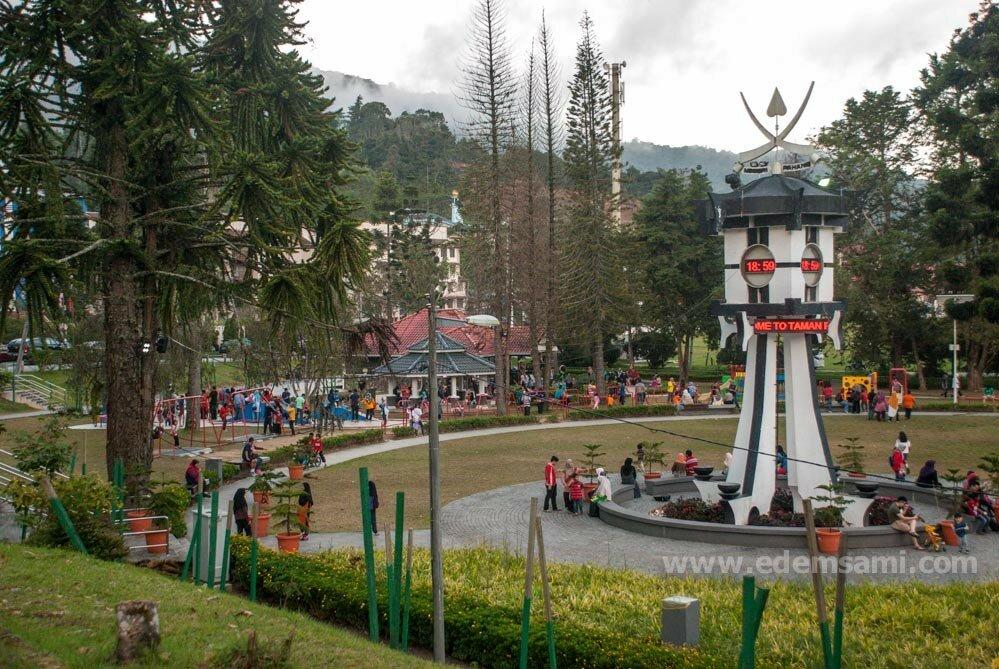 Детская площадка в Тана-Рата