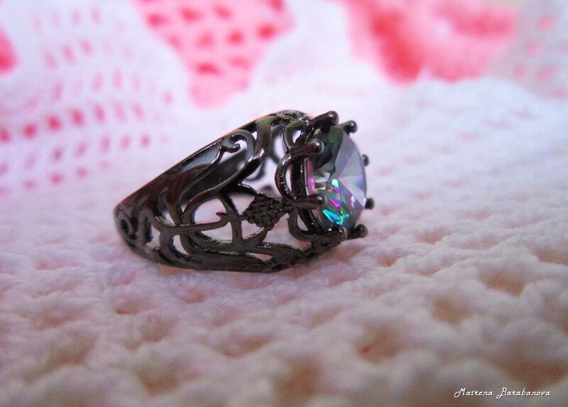 черное кольцо мистик топаз