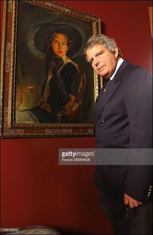 2004 December 16 Александр у портрета Лилиан