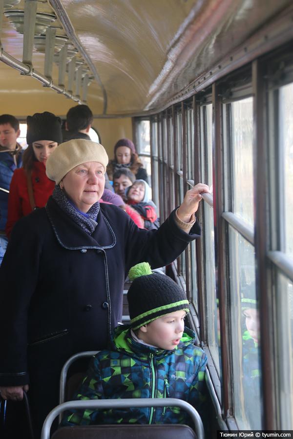 Журналист и путешественник Юрий Тюмин поделился с экологами репортажем о параде трамваев в Москве  - фото 19