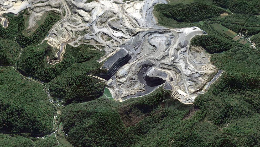 8. Взрывные работы. Идет добыча угля в штате Вирджиния. (Фото Mario Tama | Getty Images):