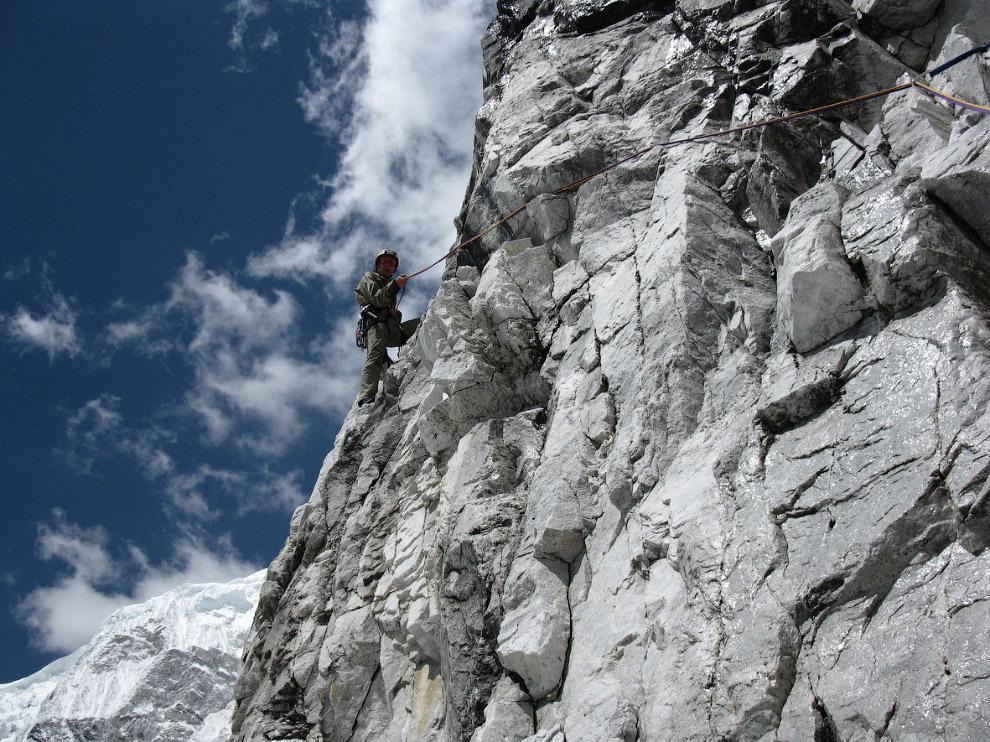 № 5. Макалу (Гималаи) — 8485 метров Макалу — пятая по высоте вершина в мире. Расположена в цент