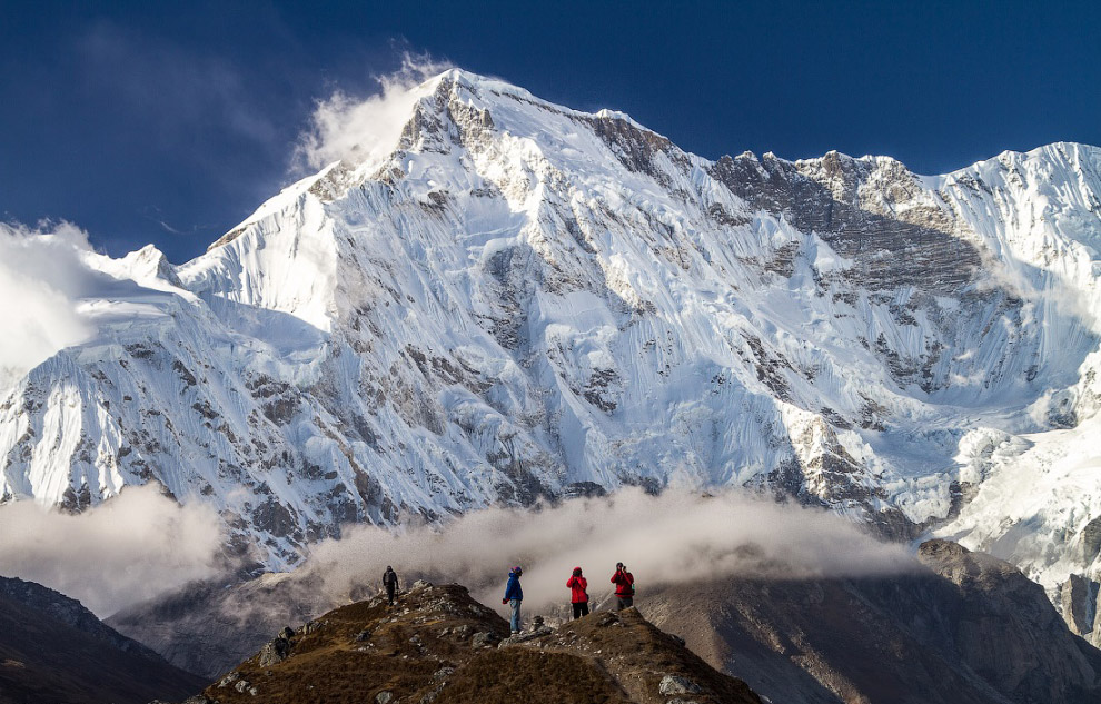 На сегодняшний день на вершину Чо-Ойю проложено 15 различных маршрутов.