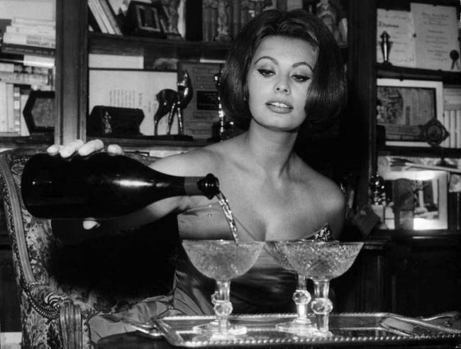© revorish  Шампанское, красное вино инекоторые другие продукты темной окраски благодаря поли