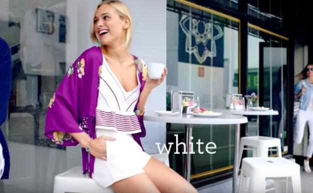Надевать белые шорты во время менструации и выглядеть абсолютно спокойной. Ни одна женщина в реально
