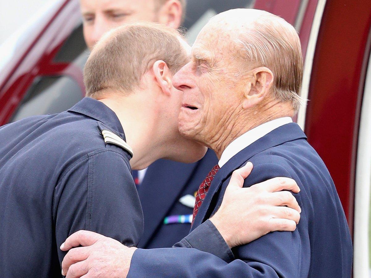 У принца Уильяма и Филиппа близкие отношения.