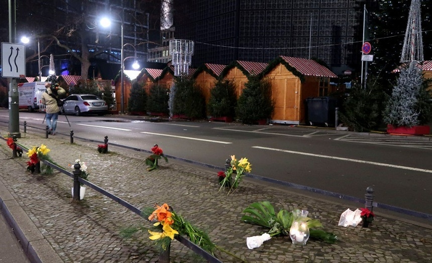 Фургон направили втолпу вБерлине сознательно - милиция Германии
