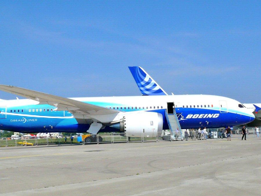 Появилось видео первого полета Boeing 787-10