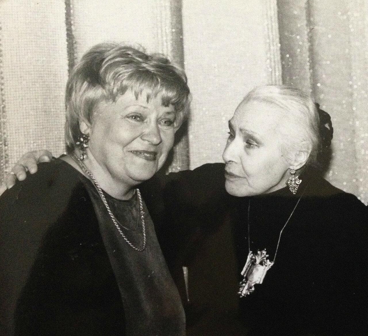 Карина Филиппова и Софья Пилявская