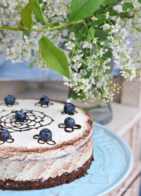 Черёмуховый торт с голубикой