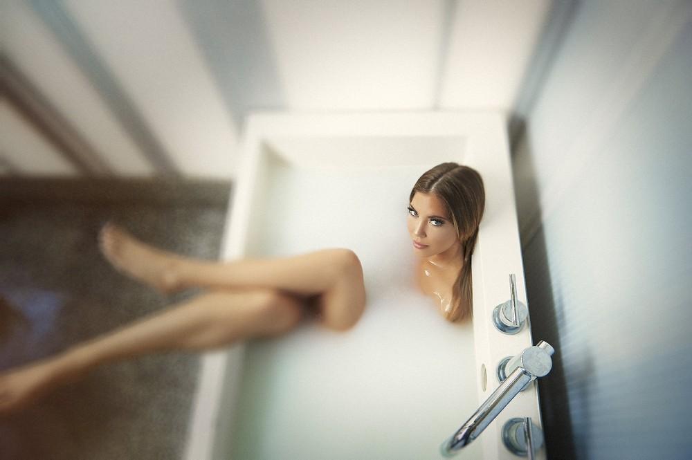 Дома в ванне девушка мне