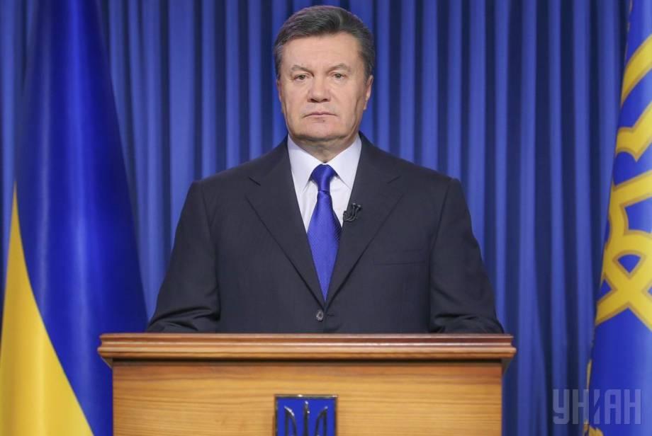 Лишение Януковича звания президента полностью отвечает Конституции Украины, - Емец