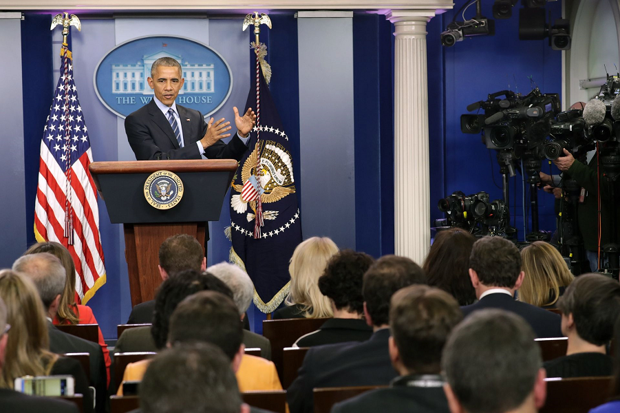 Обама отвечает на вопросы во время пресс - конференции 16.12.2016, Chip Somodevilla.png