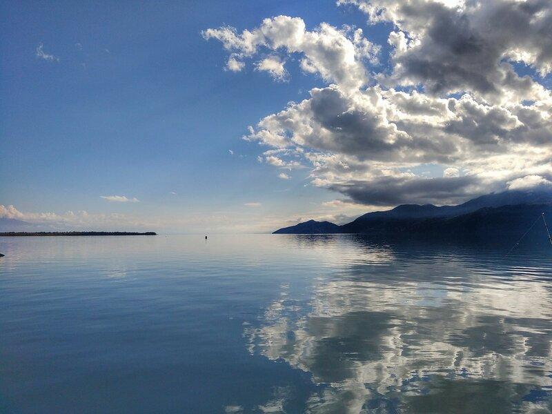 Скадарское озеро в Черногории, осень 2016