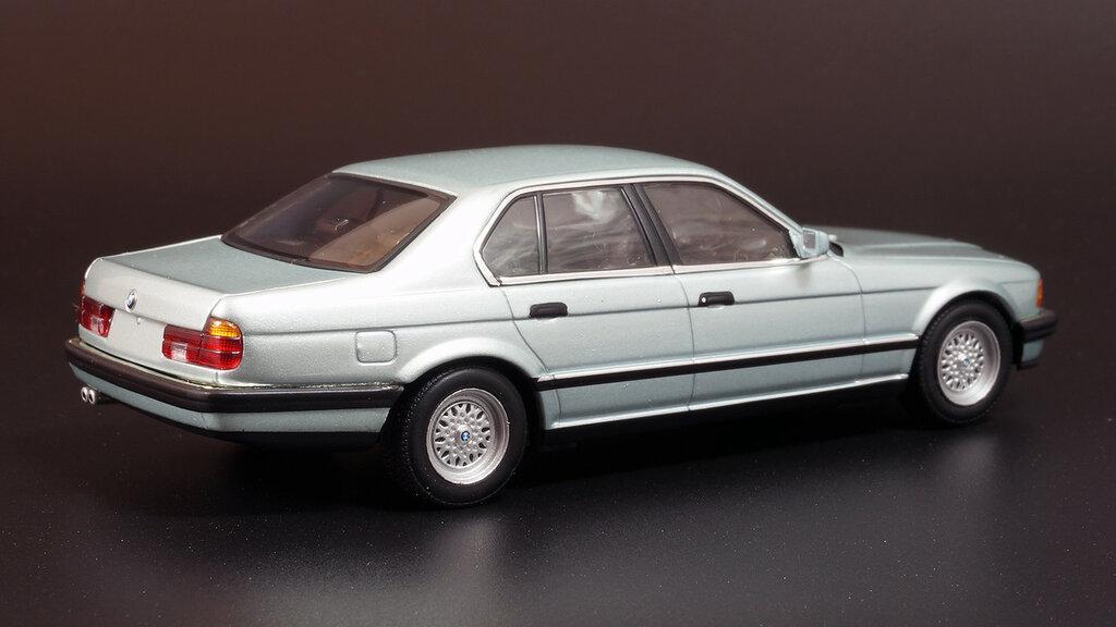 BMW_E32_03.jpg