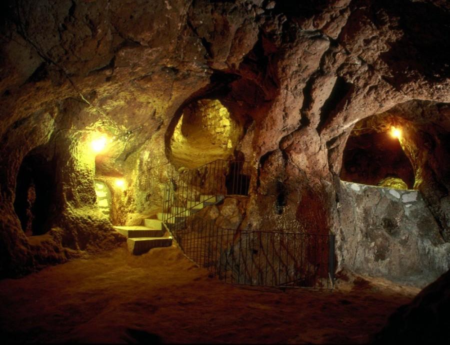 При ремонте дома мужчина обнаружил подземный город
