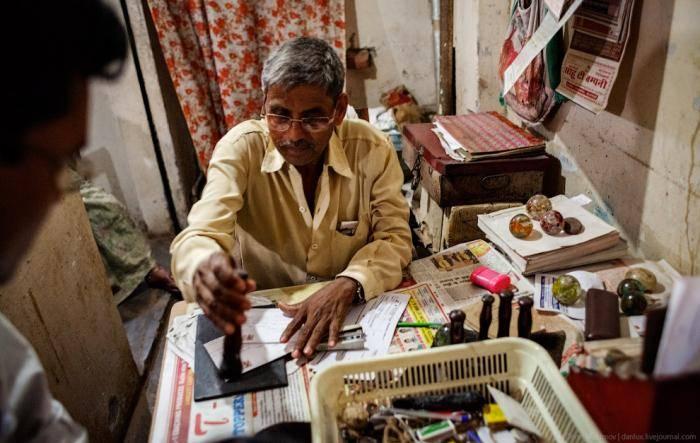 Что хорошо в Индии и в Варанаси в частности — на каждом углу можно выпить чашечку ароматного ч