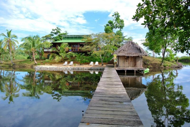 © Private Islands online  Между прочим, остров уберегов Панамы действительно продается — ив