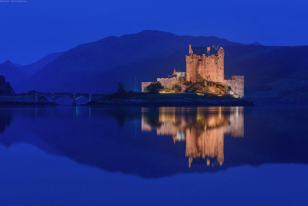 Хотя и днем замок прибережет для вас пару историй: внутри тоже очень интересно.