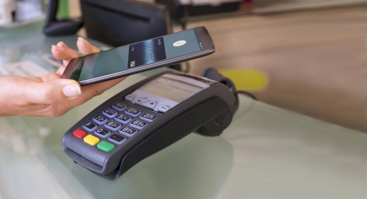 В 2017-ом году в РФ Android-смартфоны станут полноценным инструментом оплаты