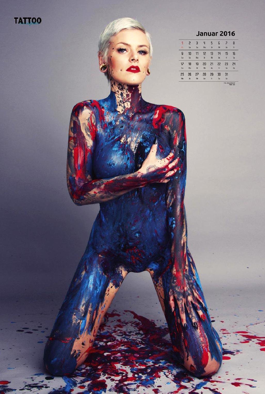 Голые татуированные девушки в календаре 2016 Tattoo Inferno calendar