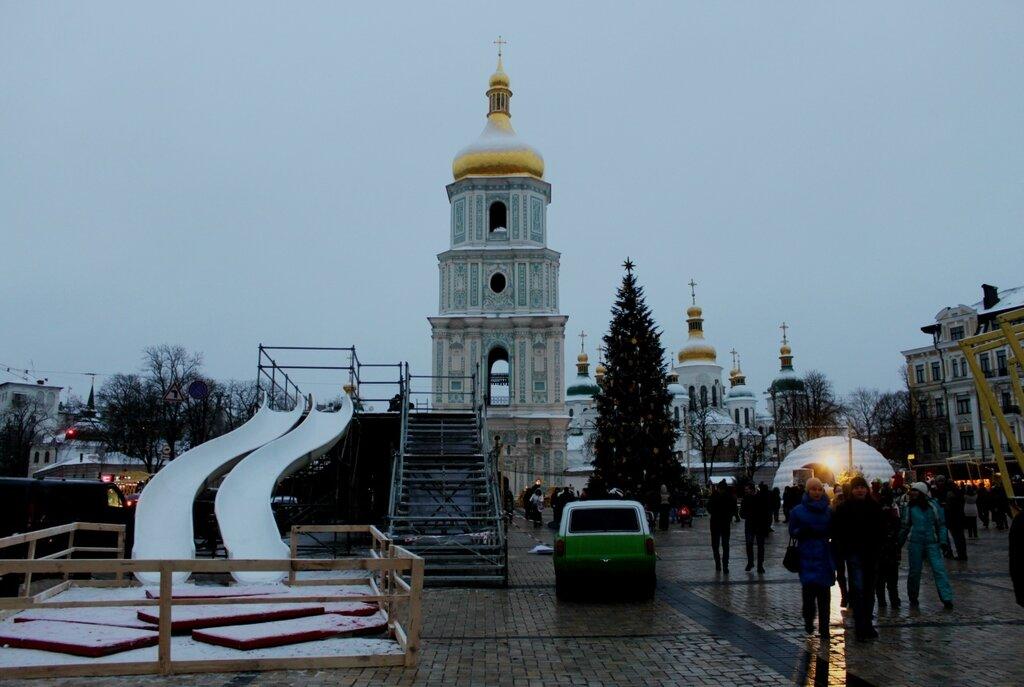 Аттракцион Горка на Софиевской площади