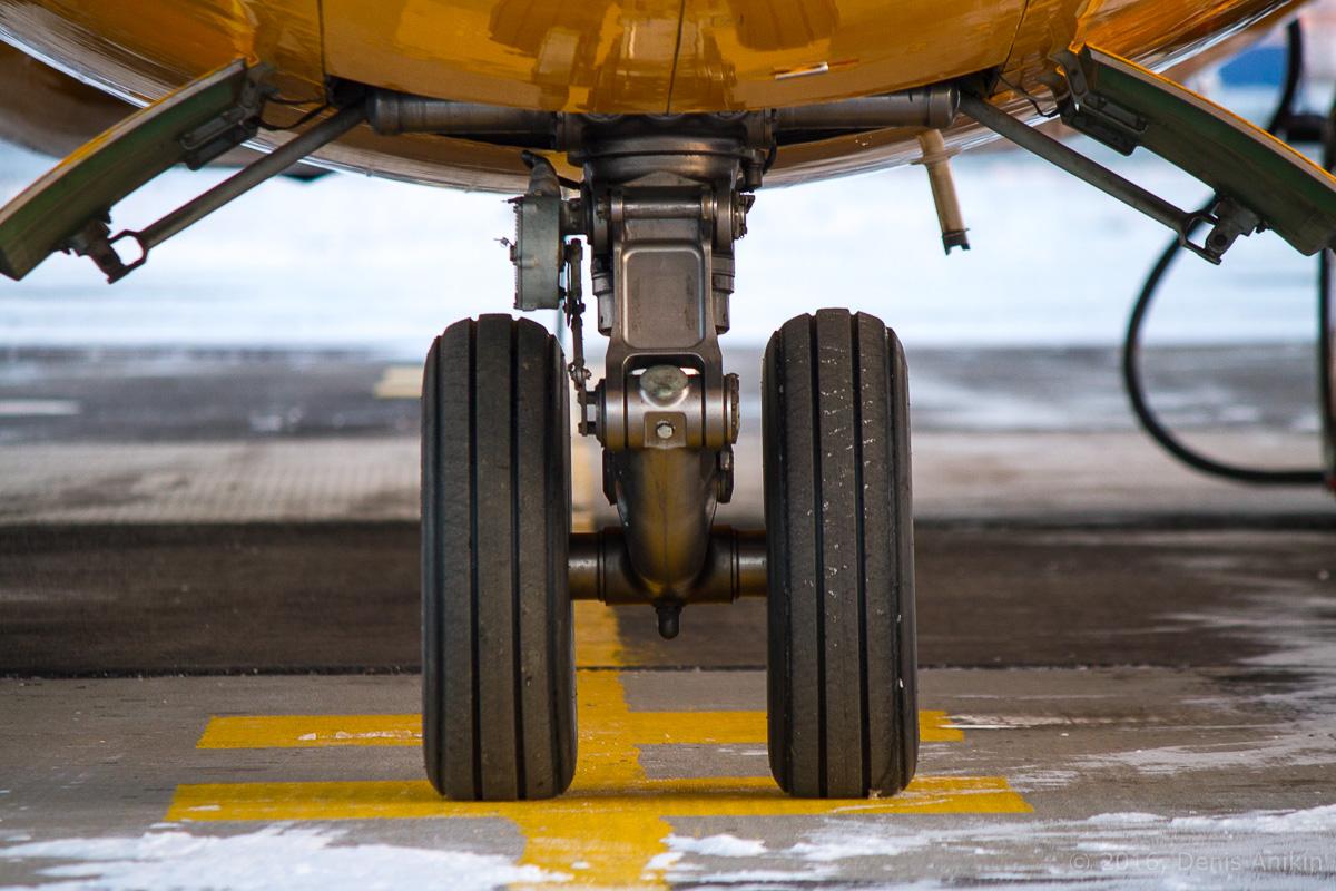 Ан-148 Саратовские авиалинии RA-61705 фото 10