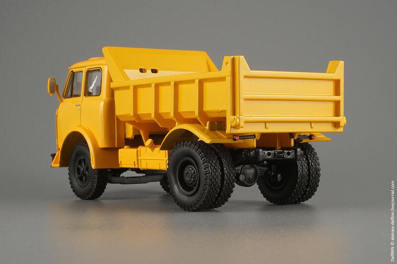 МАЗ-503Б-03.jpg