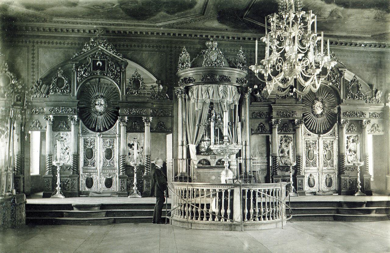 Иконостасы надвратной Одигитриевской церкви