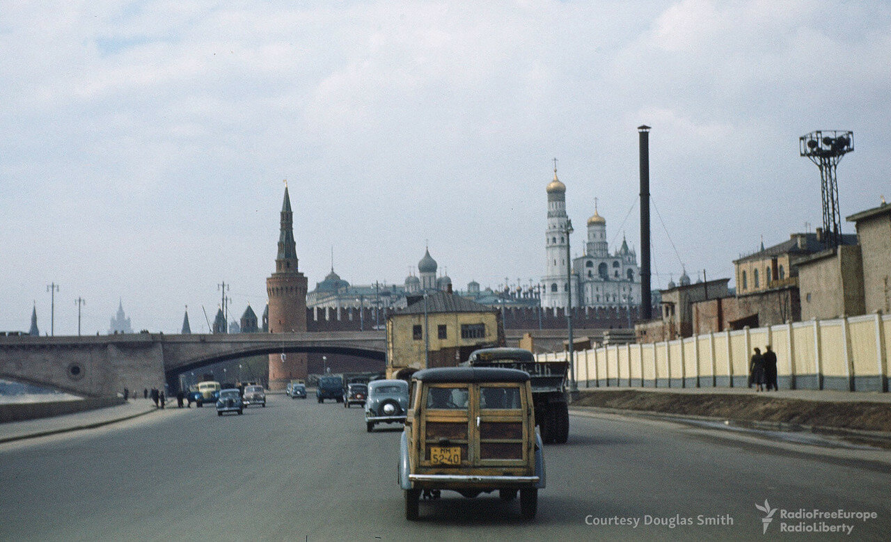 39. Вид на Кремль с Москорецкой набережной