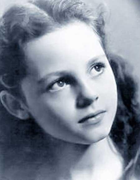 Michele-Mercier-v-detstve.jpg
