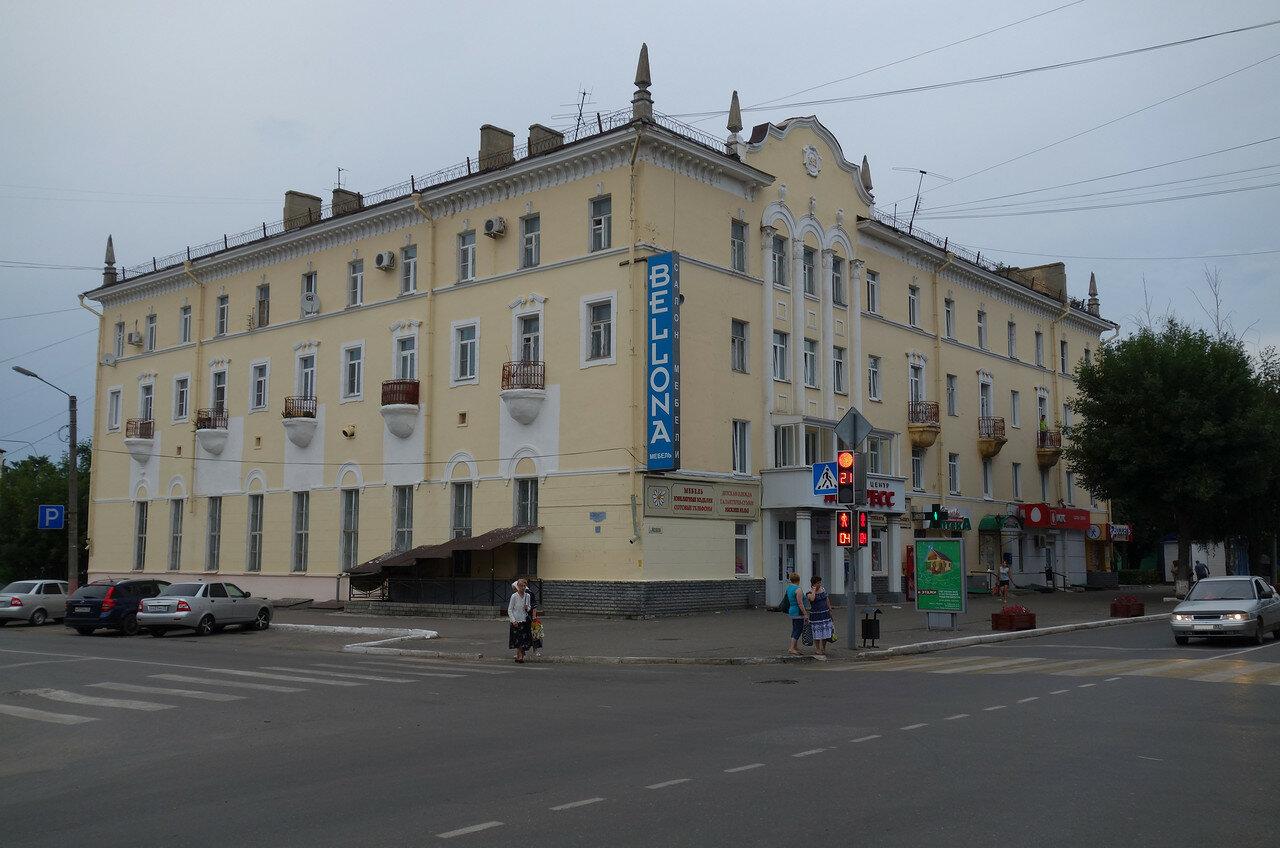 сталинский дом, 1953