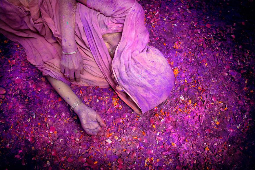 Празднование Холи во Вриндаване, Индия.