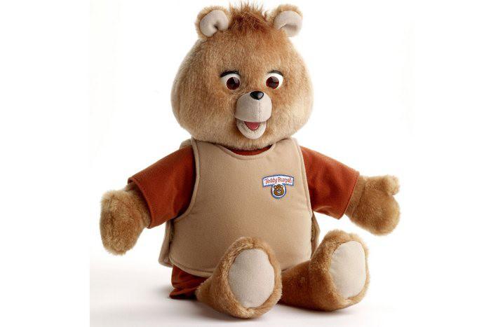 13. Teddy Ruxpin Эту винтажную версию плюшевого медвежонка можно продать за 200 долларов.