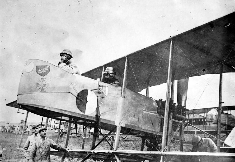 18. Французский военный дирижабль «Республика». (Фото Library of Congress):