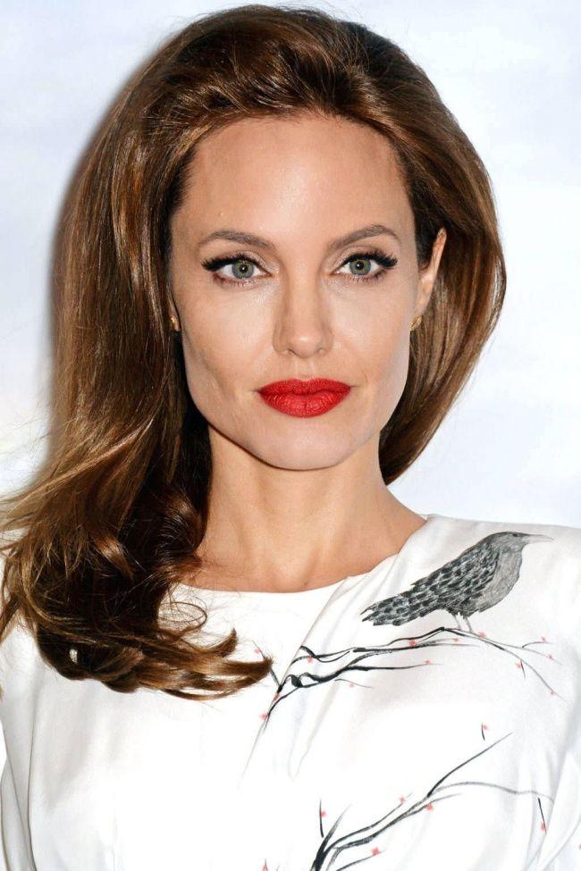 7. Анджелина Джоли, 39 лет О красоте актрисы свидетельствует то, что она не раз признавалась самой к