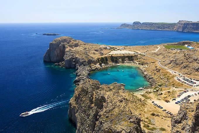 5. Наксос Мифы: Греки так, кажется, и не определились, считать жизнерадостного бога Диониса уроженце