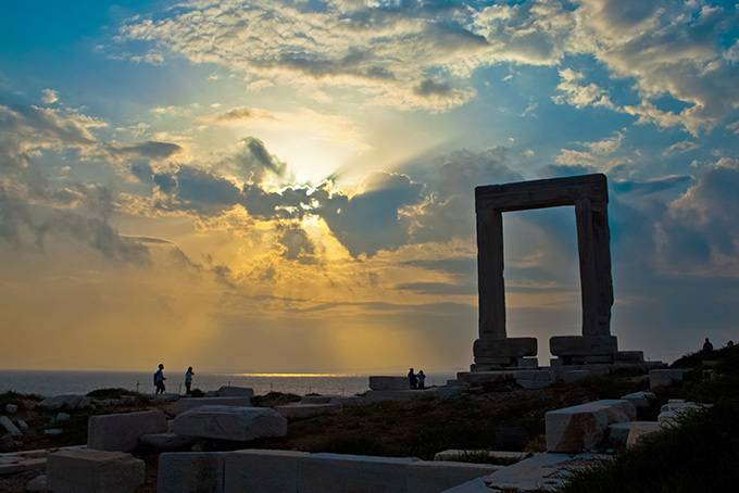 6. Скиатос Мифы: Когда-то остров пусть и косвенно, но помог царю Леониду и 300-м спартанцам —