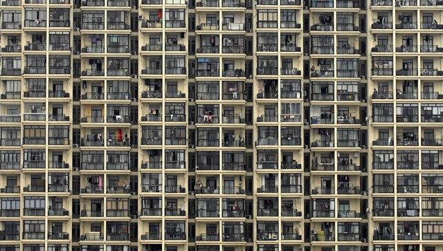 В Китае за выброшенную из окна бутылку заплатили все жильцы дома