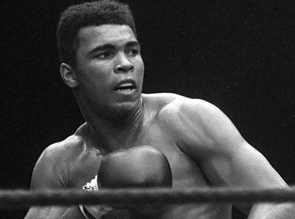 Легендарный боксер умер на 75-м году жизни. За свою карьеру он провел 61 бой, из которых победой зав