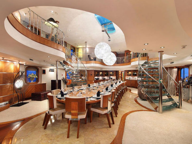 Яхта Sherakhan Пункт прибытия: Антарктида. Цена за неделю: 425 тысяч долларов. Благодаря просторным
