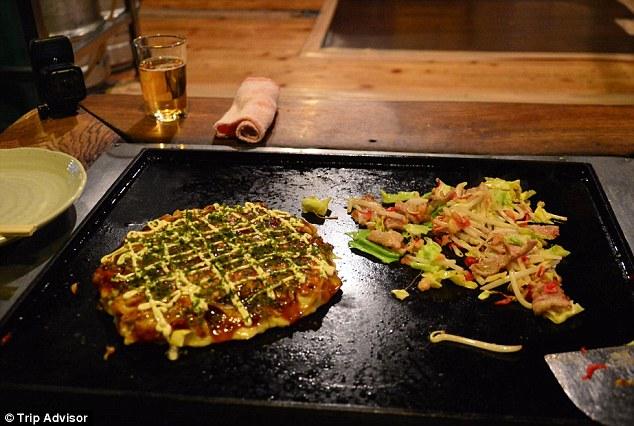 Ресторан Asakusa Okonomiyaki Sometaro в нескольких минутах ходьбы от храма Сэнсо-дзи в Тайто специал