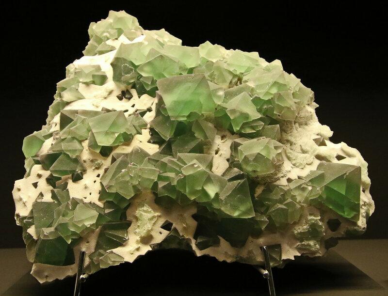 Fluorit mit Quarz. China....2H1A6970ОВ.JPG