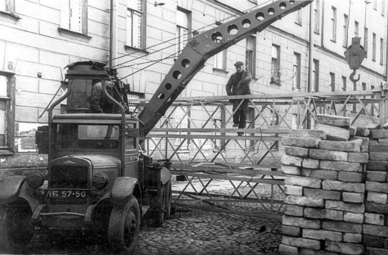 Строительство заграждений на набережной Фонтанки вблизи Калинкина моста