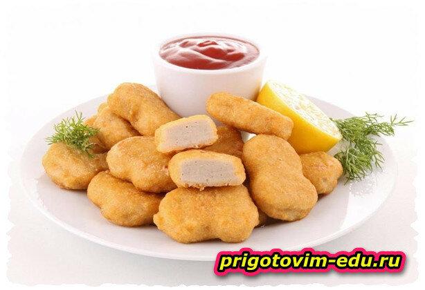 Куриные наггетсы с соусом