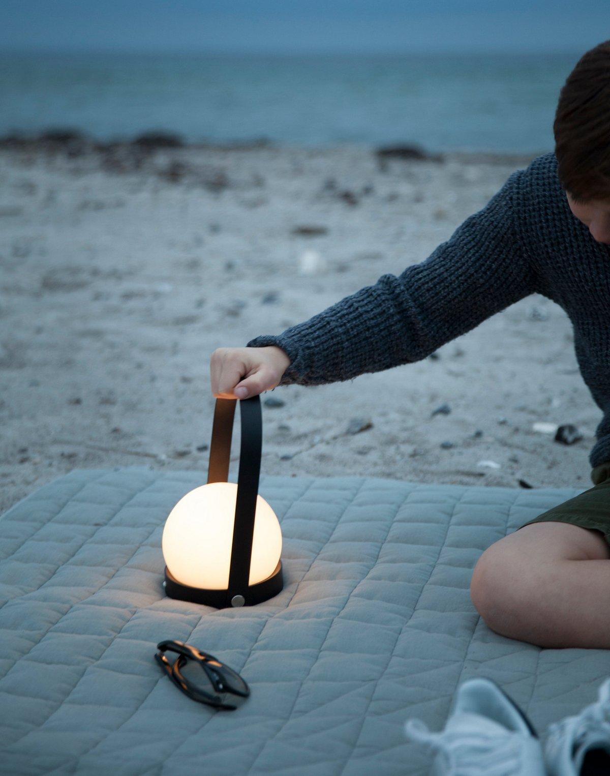 Светодиодный портативный фонарь