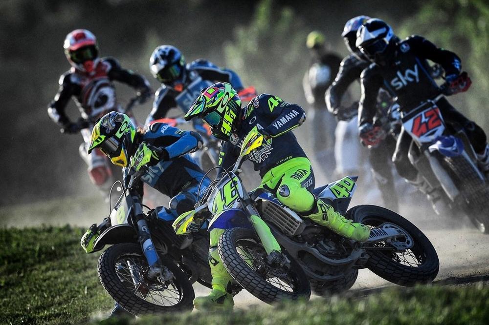 Валентино Росси травмировался на тренировке по мотокроссу