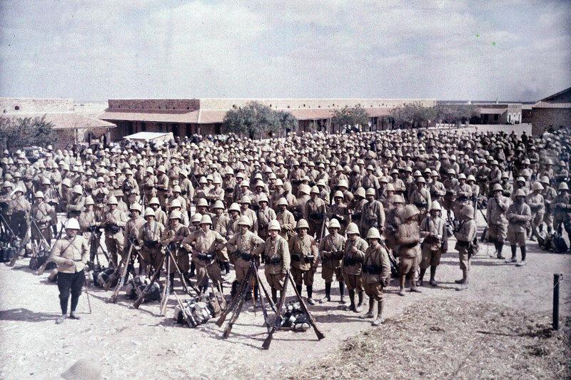 20 марта 1916 года Колонна зуавов, только что вернувшихся от границы с Триполитании в гарнизон Мединин2.jpg
